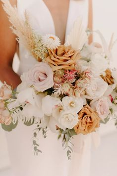 We are swooning over bride, Breanna's bouqet. Photo: @alexlasota_ Wedding Book, Wedding Ceremony, Wedding Venues, Wedding Day, Wedding Things, Minimalist Gown, Marry You, Floral Arrangements
