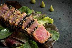 Grilled Sliced Tuna Steak in Sesame with Salad and Wasabi Sauce Keto Recipes, Cooking Recipes, Healthy Recipes, Wasabi Sauce, Tuna Steaks, Fish And Chips, Fish And Seafood, Healthy Drinks, Delish