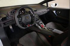 Lamborghini Huracan LP 610-4 Coupé 2014, Interior. More Images On The Following Link: https://www.carspecwall.com/lamborghini/huracan/huracan-lp-610-4-coupe-2014/