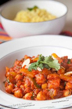Vegan chickpea and sweet potato tikka masala. Vegan Tikka Masala, Tikki Masala, Chana Masala, Veggie Recipes, Whole Food Recipes, Vegetarian Recipes, Cooking Recipes, Healthy Recipes, Veggies