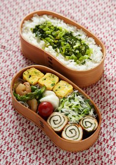 Japanese Style Bento Lunch (Bottom: Chicken Rolled with Nori Seaweed)|弁当 . - Delicious! Everyone Lunch box - Bento Ideas Bento And Co, Bento Box Lunch, Kawaii Bento, Japanese Lunch Box, C'est Bon, Cute Food, Asian Recipes, Sushi, Food Porn
