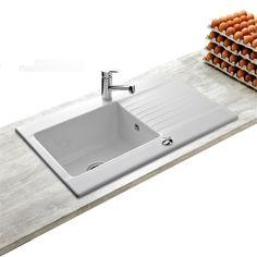 Votre cuisine mérite un évier de qualité ! Cet évier à encastrer en grès céramique blanc, sélectionné par la marque KÜMBAD, offre un grand bac et de large bord pour une aisance quotidienne dans les...