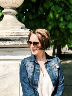 Chanel brooch - always a good idea Chanel Brooch, Portraits, Women's Fashion, Denim, Jackets, Down Jackets, Fashion Women, Head Shots, Jeans
