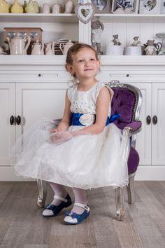 Sukienka Anastazja  więcej na https://www.facebook.com/sukienkitiulitafta?fref=ts