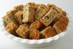 All Bran Beskuit (Rusks) using Kellogs All bran and buttermilk. I grew up with these rusks and their delish! South African Dishes, South African Recipes, Africa Recipes, Köstliche Desserts, Delicious Desserts, Yummy Snacks, Kos, Buttermilk Rusks, Rusk Recipe