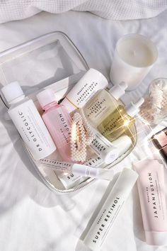 Aesthetic Beauty, Aesthetic Makeup, Beauty Pie, Beauty Stuff, Luxury Beauty, Skin Care Regimen, Body Care, Perfume Bottles, Instagram