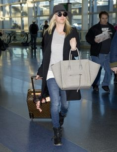 Kaley Cuoco arrives at JFK airport in New York City. #airport #celebrity #style #fashion #actress #looks #travel