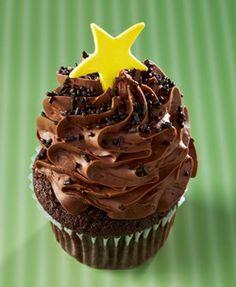 Gigi's Cupcakes - Texas Milk Chocolate: Milk chocolate cake topped with milk chocolate frosting, chocolate sprinkles and a bright yellow fondant star.