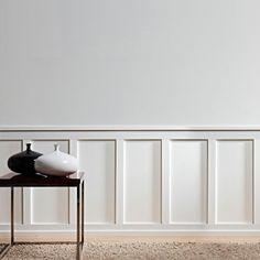 Det fyrkantiga dörrfodret Axxent DX157 är främst tänkt som ram kring dörrar och fönster, men har ett bredare användningsområde och kan exempelvis användas som golvsockel eller bröstlist för att skapa en panelvägg.