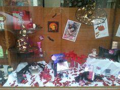 Escaparate de la tienda de Peñarroya, creado por Vanesa, Yoli y Esther.