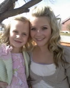 Flashback photo of Witney Carson and her sister, Camry, on Easter 2008