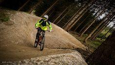 INCUS - PHOTOGRAPHY Golf Bags, Bicycle, Park, Photography, Bicycle Kick, Fotografie, Bike, Bicycling, Fotografia