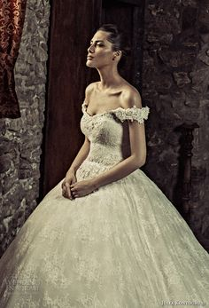 julia kontogruni 2017 bridal off the shoulder sweetheart neckline full embellishment princess ball gown wedding dress corset strap back royal train (4) zv