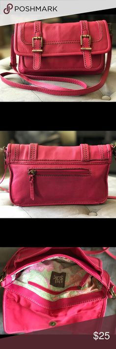 The Sak leather crossbody purse Cute The Sak pink leather purse. Add a color pop to your outfits. Great condition. The Sak Bags Crossbody Bags
