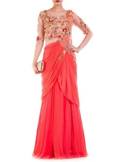 Traditional sari dress a perfect contemporary women attire that enhances the appeal.