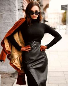 Brown Leather Gloves, Leder Outfits, Latex Girls, Festival Outfits, Leather Fashion, Dress Skirt, Sexy Women, Clothes, Gloves Fashion