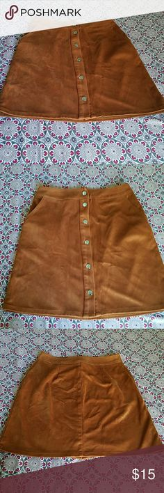 Button up skirt In good condition ROMWE Skirts
