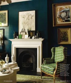 dark teal walls , drawn to this wall color , but for which room? Teal Living Rooms, Home And Living, Living Spaces, Peacock Living Room, Teal Rooms, Dark Rooms, Colour Schemes For Living Room Warm, Small Living, Living Room Wall Colors