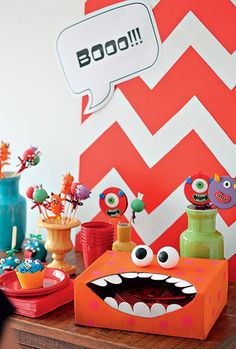 Para pegar os talheres tem que colocar a mão na boca do monstro 1st Birthday Boy Themes, Monster Birthday Parties, First Birthday Parties, Monster Decorations, Kids Party Decorations, Little Monster Party, Start The Party, Cowboy Party, Halloween Crafts For Kids