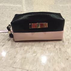 VS makeup bag Bag Victoria's Secret Bags Cosmetic Bags & Cases