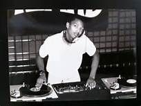 Jeff Mills aka The Wizzard. Detroit Techno, Deep House Music, Les Mills, The Dj, Periodic Table, History, Mens Tops, Masters, Maps