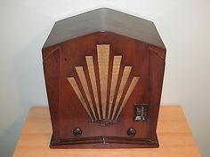 Vintage-Jackson-Bell-Sunburst-Deco-Model-60-Wood-Case-AM-Tube-Radio-restored