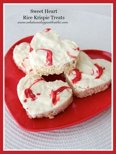 Sweet Heart Rice Krispie Treats are deliciously easy and fun to make for your Valentine this year! @whatscookingwithruthie.com #recipes #valentines