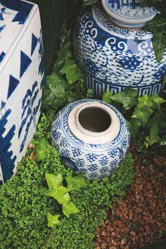 Ceremic pots in the garden.