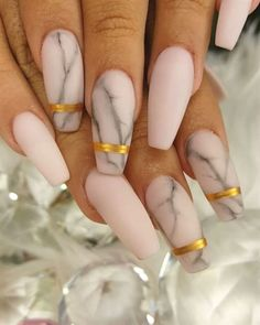 Marble acrylic nails are very popular this year, and manicure styles similar to marble texture are also popular this year. This rare and temperamental marble nail really makes people feel beautiful and fashionable. Marble nails have a good texture. Marble Acrylic Nails, Cute Acrylic Nails, Acrylic Nail Designs, Nail Art Designs, Nails Design, Gold Designs, Nude Nails, Matte Nails, Gel Nails