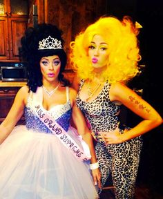 Miley Cyrus as Nicki Minaj - The Best Celebrity Halloween Costumes You'll Want to Copy - Photos