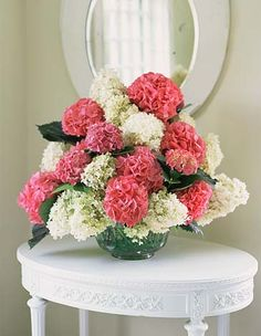 I would have no problem coming home to a hydrangea bouquet like this everyday. =)