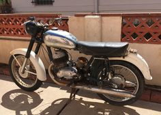 Jawa 350, Classic Bikes, Vintage Motorcycles, Motorbikes, Biker, Vehicles, Projects, How To Make, Ebay