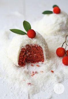Red velvet Christmas mini cakes by jacquelyn