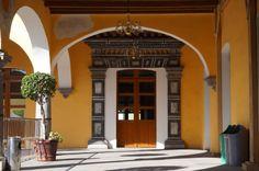 Puerta en la Casa Antigua Aduana BUAP en la 2 oriente. Foto tomada por: KiraBrilla