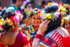 Pohela Falgun-first day of Spring Costumes Around The World, Festivals Around The World, Bengali Culture, Bengali New Year, New Years Traditions, First Day Of Spring, Beauty Photos, Celebs, Celebrities