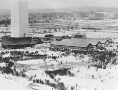 Here 800 people & President Arthur brave snow to dedicate Washington Monument,1885