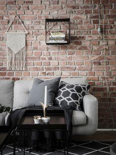 Pereți negri în dormitor într-un apartament de 59 m² Jurnal de design interior