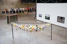 ONE SHOT ! FOOTBALL ET ART CONTEMPORAIN - Art Aujourd'hui