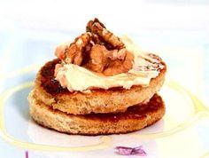 Toastpuck chévre och chili. http://www.recept.nu/kicki---malmo/forratter/agg-och-mejeri/toastpuck-chevre-och-chili/#