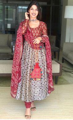 Anarkali Dress, Pakistani Dresses, Indian Dresses, Indian Outfits, Chic Outfits, Dress Outfits, Fashion Outfits, Dress Pants, Blouse Dress