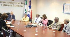 Sisalril auspicia diálogo entre médicos y ARS