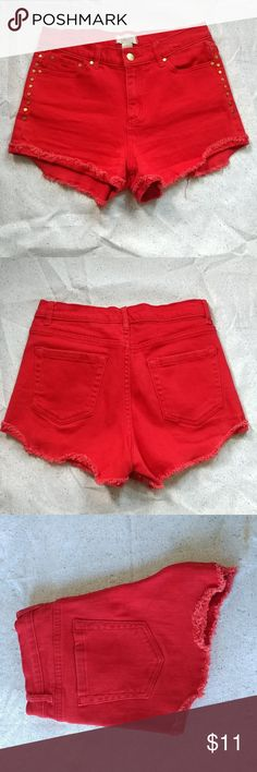 """Forever 21 Shorts Sz 26 Red shorts with gold accents, 99% Cotton 1% Spandex. Rise 10""""  Inseam 2""""  Outseam 10"""". Pre-loved and in good condition Forever 21 Shorts Jean Shorts"""