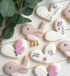 """Cheryl 👋 on Instagram: """"♡ C h i r p ♡ . . . Inspo comes from all over. I printed this bird cutter myself based off a cute little bird I saw on my neices jammies!…"""" Flower Sugar Cookies, Butterfly Cookies, Sugar Cookie Cakes, Bird Cookies, Spice Cookies, Fancy Cookies, Heart Cookies, Easter Cookies, Royal Icing Cookies"""