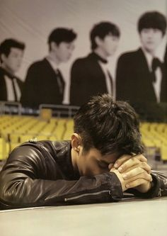 cant wait for us to pray together❤ may our Lord bless us. Super Junior, Man Praying, Cho Kyuhyun, Choi Siwon, Leeteuk, Kpop, Japanese Models, Asian Actors, Super Funny