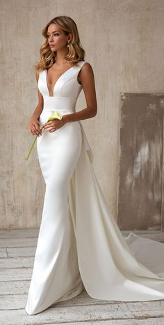 Chic Wedding Dresses, Dresses Elegant, Fit And Flare Wedding Dress, Bridal Dresses, Bridesmaid Dresses, Satin Mermaid Wedding Dress, Minimalist Wedding Dresses, Elegant Wedding Gowns, Evening Wedding Dresses