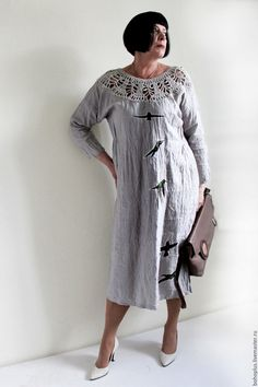 Купить или заказать Платье из льна размера плюс 'Таисия' в интернет-магазине на Ярмарке Мастеров. Нежный прозрачный вечер Ты обнимал меня за плечи. Воспоминания. Яркий цвет На холсте. Хотите угодить себе нарядом или сделать приятное маме, тогда это платье для вас. Дизайнерские вещицы всегда необычны приемами и шиком тканей и это платье еще одна занимательная вещица, которая поселится у вас в гардеробе.. В этом платье играет брендовый лен серо перламутрового тона , казалось бы простой ...