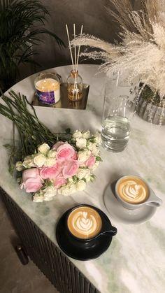تويتر Aesthetic Coffee, Aesthetic Food, Coffee Shop Photography, Nature Photography, Wallpaper Iphone Cute, Flower Wallpaper, Wallpaper Ramadhan, Anthropologie Rug, Grave Of The Fireflies