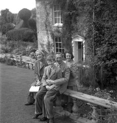 Earl and Countess of Pembroke, Lady Diana Herbert and Hon Henry Herbert, Reddish, August 1950
