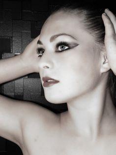 Smoky Niqita http://www.makeupbee.com/look_Smoky-Niqita_39292