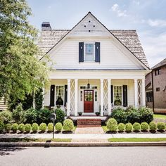 """1,694 Likes, 25 Comments - Mary Miller (@glimpsesofthesouth) on Instagram: """"So neat ✨#house #houseportrait #home #homestyle #homesweethome #housedesign #facade #facadelovers…"""""""